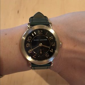 ⏰ Marc Jacobs Leather Band Gold Tone Riley Watch